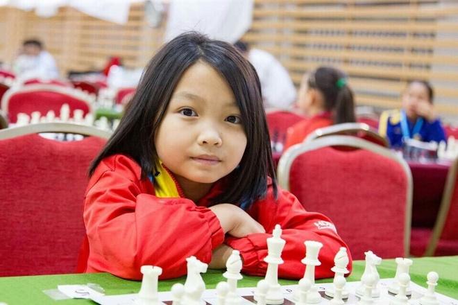Cam Hien duoc thuong nong sau giai co vua Dong Nam A hinh anh