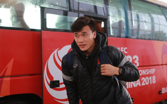 Chuyen co rieng don U23 Viet Nam ve nuoc hinh anh