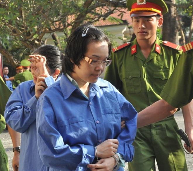 Xu phuc tham dai an Huyen Nhu lua dao 4.000 ty trong 17 ngay hinh anh