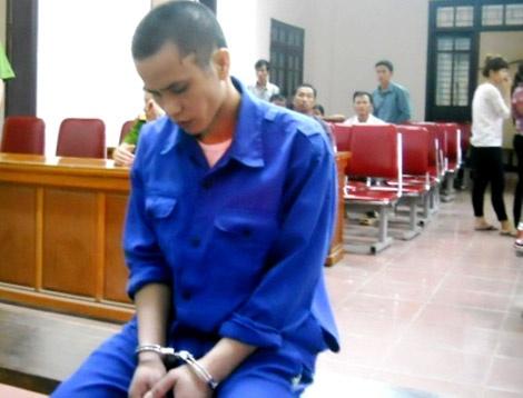 Loi xin loi muon mang cua ke dung bua sat hai vo hinh anh 1 Nguyễn Cảnh Linh trong ngày xét xử tại tòa án.