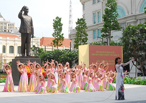 TP HCM khanh thanh tuong dai Chu tich Ho Chi Minh hinh anh