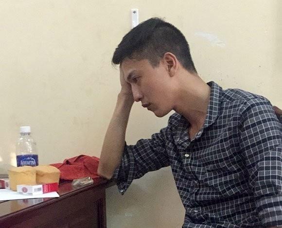 Khoi to 2 nghi can vu tham an o Binh Phuoc hinh anh 1 Dương tại cơ quan điều tra.