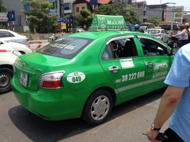 Tai xe taxi Mai Linh tong CSGT tung nhay cau tu van hinh anh