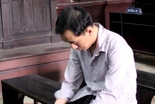 Doa mua san quan tai neu khong giao 10 luong vang hinh anh 1 Vương tại tòa cấp cao. Ảnh: K.T.