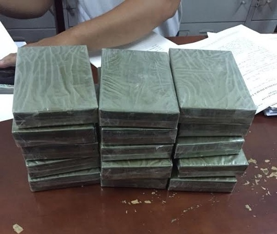 TP HCM danh sap duong day buon ma tuy cuc lon tu Campuchia hinh anh 1 Tang vật bị công an thu giữ.