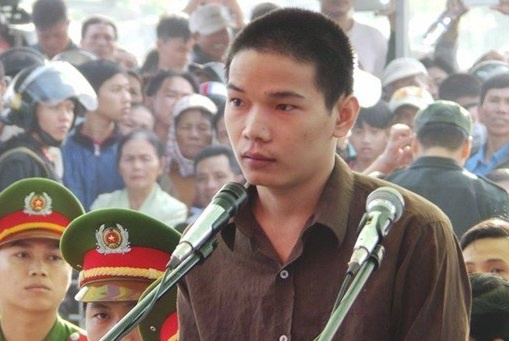 Nhieu nguoi ky ten xin giam an tu cho Vu Van Tien hinh anh