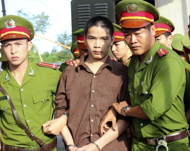 Vu tham sat Binh Phuoc: Vu Van Tien co thoat an tu hinh? hinh anh