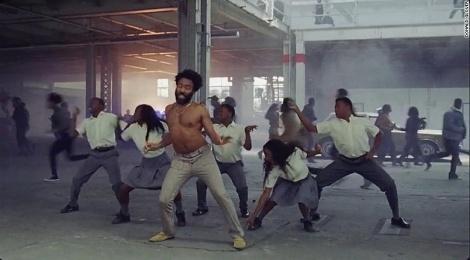 MV 'This is America' gay sot vi phan anh nan bao luc sung dan o My hinh anh