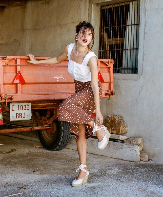 Cac 'It Girl' Phap: Nguoi la fashionista, nguoi la nang tho noi tieng hinh anh 2