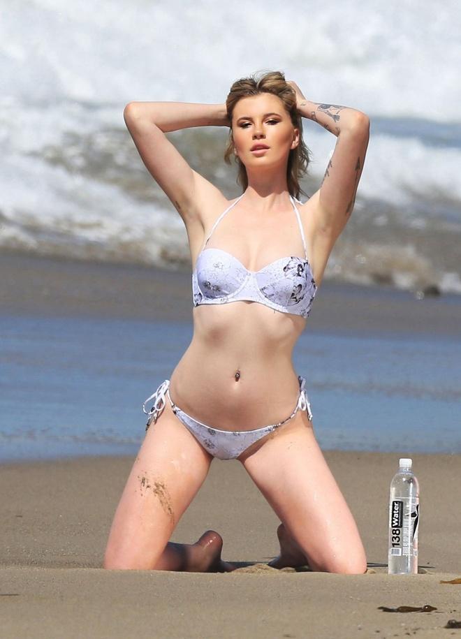 ai nu nha sao Hollywood cham dien bikini anh 11