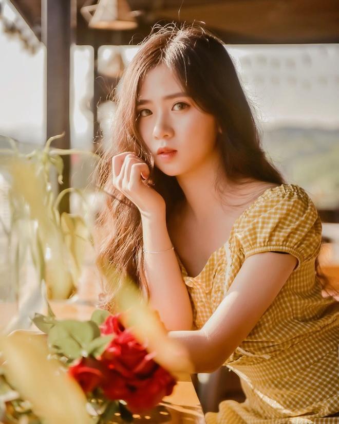 Dan hot girl tai sac cua DH Luat Ha Noi hinh anh 7