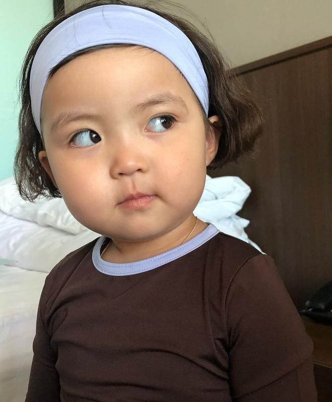 Hot kid Han Quoc duoc goi la thanh meme vi guong mat bieu cam hinh anh 4