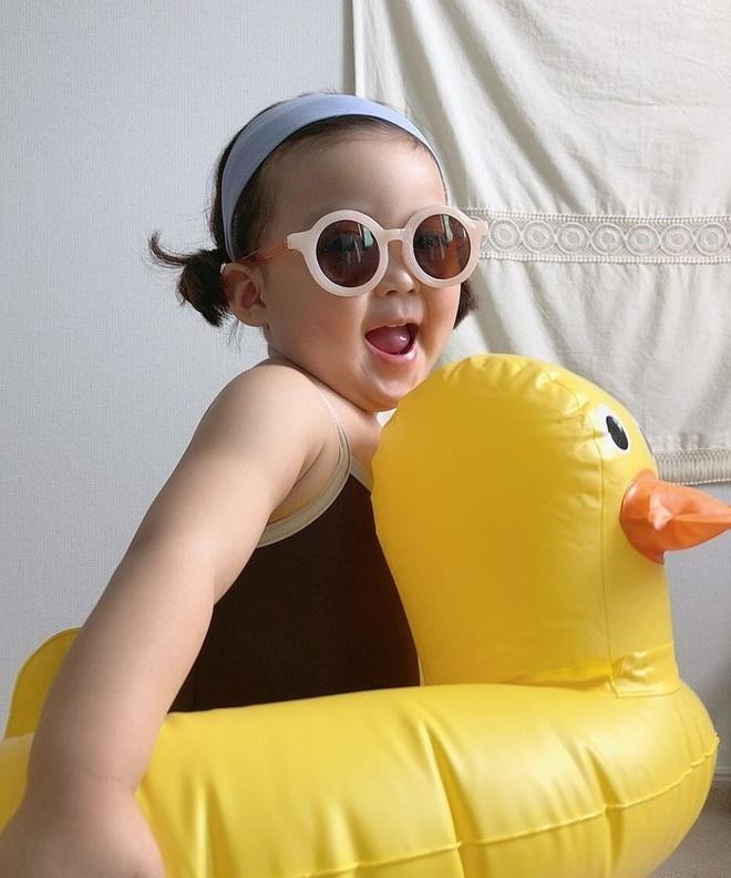 Hot kid Han Quoc duoc goi la thanh meme vi guong mat bieu cam hinh anh 3