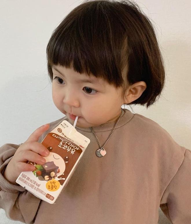 Hot kid Han Quoc duoc goi la thanh meme vi guong mat bieu cam hinh anh 5