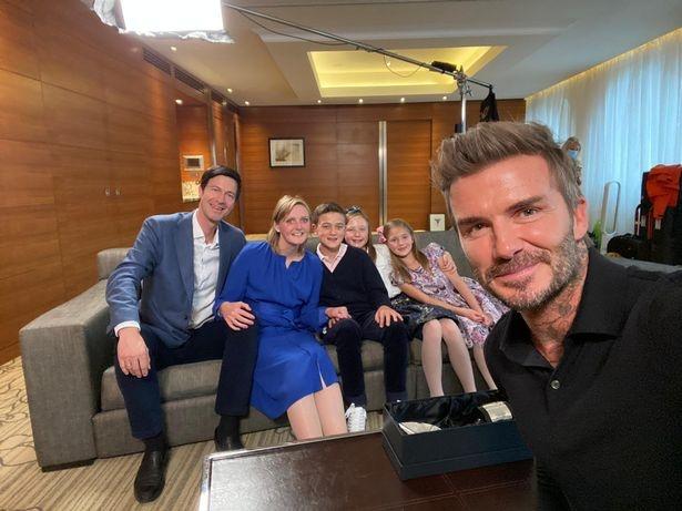 Cau be 11 tuoi duoc David Beckham trao thuong vi cuu me nga xuong nui anh 2