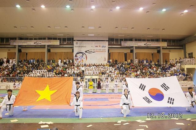 Clip bieu dien taekwondo man nhan tai Cup Dai su Han Quoc hinh anh