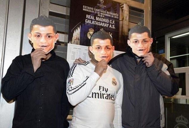 Mot rung Ronaldo ap dao khan dai hinh anh 8