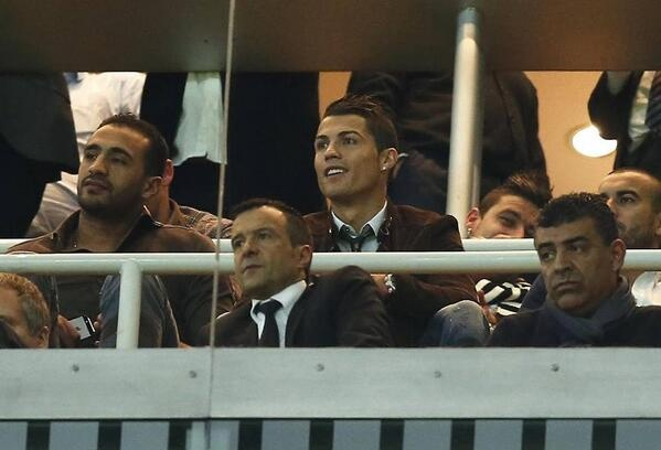 Mot rung Ronaldo ap dao khan dai hinh anh 9