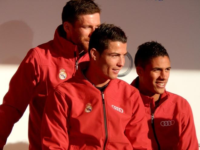 Ronaldo duoc tang sieu xe Audi RS 6 hinh anh 12