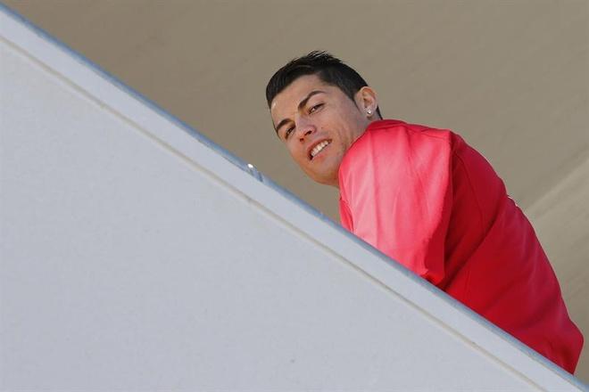 Ronaldo duoc tang sieu xe Audi RS 6 hinh anh 18