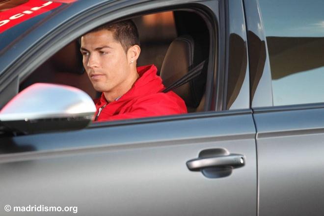 Ronaldo duoc tang sieu xe Audi RS 6 hinh anh 8