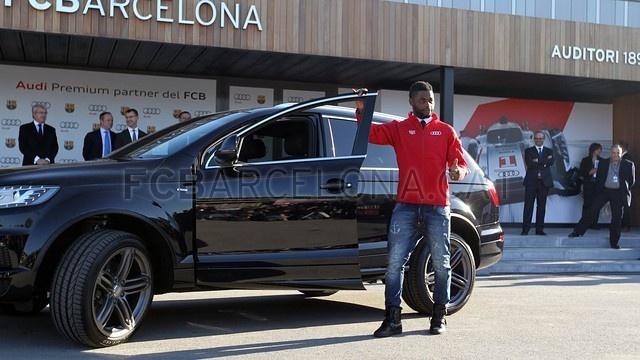 Neymar cung dan sao Barca duoc tang sieu xe hinh anh 12