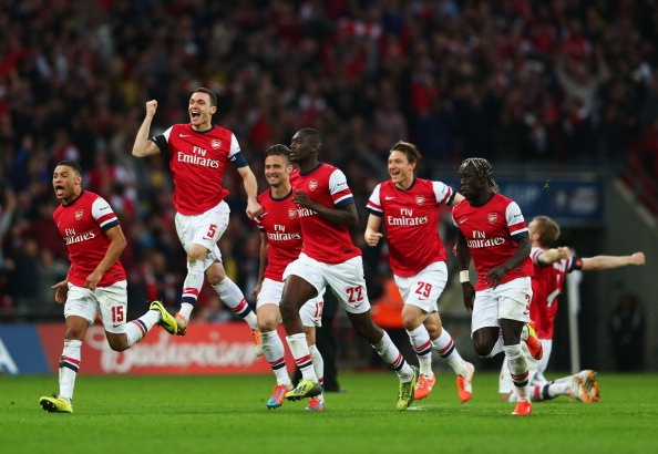 Tron 10 nam Arsenal trai qua mua giai 'doc co cau bai' hinh anh 1