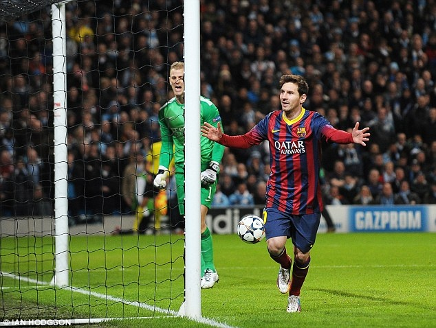 Vuot mat Ronaldo, Suarez dan dau 50 cau thu hay nhat chau Au hinh anh 4