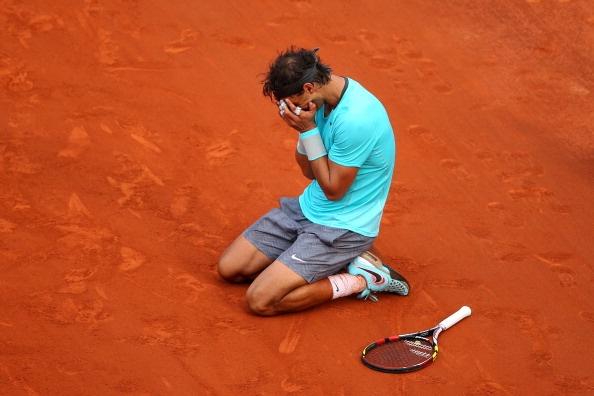Nhung giot nuoc mat cua Nadal va Djokovic trong le trao giai hinh anh