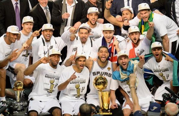 Ha dep Heat, Spurs lan thu 5 len ngoi vua NBA hinh anh