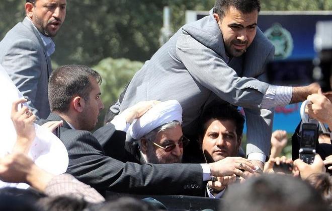 Tong thong Iran hung da, trung vi noi chuyen voi Obama hinh anh
