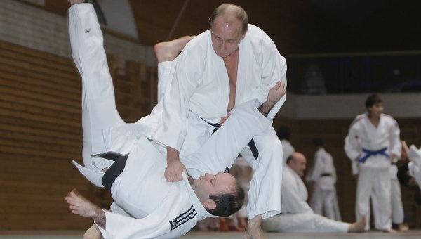 Putin tro thanh vo su cuu dang Taekwondo hinh anh