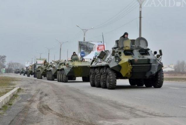 Nga dieu 80.000 binh si toi bien gioi Ukraina hinh anh 2