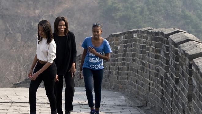 Phu nhan va hai con gai Obama toi Van ly truong thanh hinh anh