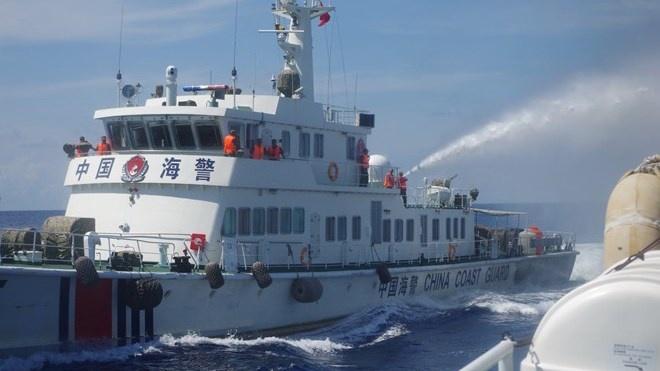 Du luan Trung Quoc khong dong tinh dat gian khoan trai phep hinh anh 1 Bức ảnh khiến người dân Trung Quốc không tin vào giải thích của Bộ Ngoại Giao Trung Quốc.