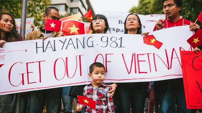 Nguoi Viet o Australia tuan hanh phan doi Trung Quoc hinh anh 5
