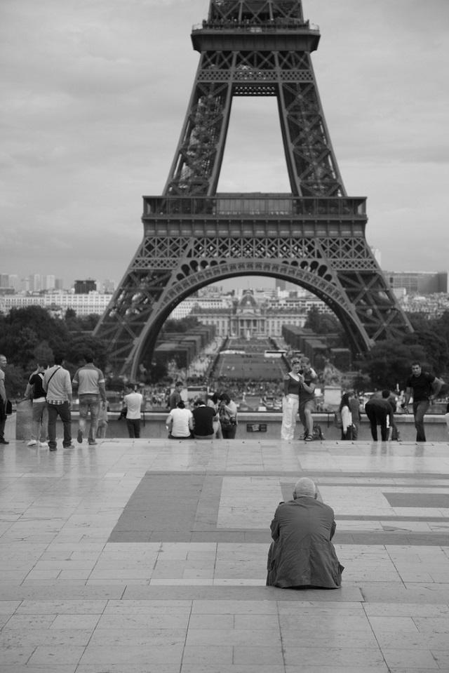 2. Tháp Eiffel là công trình chào mừng lễ kỷ niệm 100 năm Cách mạng Pháp (1789 – 1889).