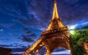 3. Kể cả ăng-ten, tháp Eiffel cao 324m và là công trình cao nhất nước Pháp hiện nay.
