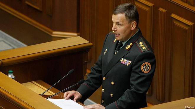 Tan Bo truong Quoc phong Ukraine the chiem lai Crimea hinh anh