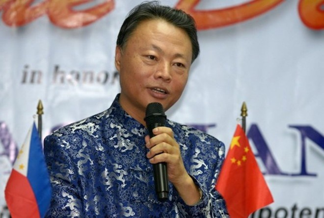 Philippines huong loi khi kinh te Trung Quoc chung lai hinh anh 2 Đại sứ Trung Quốc tại Philippines Triệu Giám Hoa. Ảnh: AP