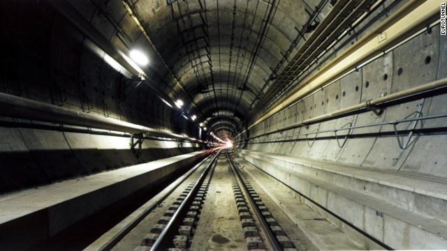 9 duong ham ky vi nhat the gioi hinh anh 1 Năm 1996 Hội Kỹ sư Dân dụng Mỹ đã coi đường hầm Channel là một trong Bảy kỳ quan thế giới hiện đại.