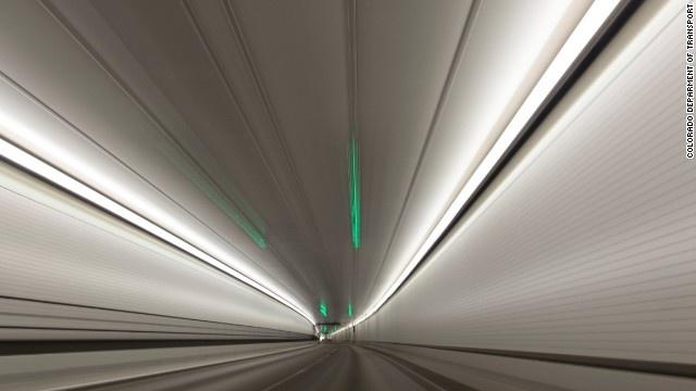 9 duong ham ky vi nhat the gioi hinh anh 4 Hầm đường bộ Eisenhower tọa lạc ở bang Colorado, Mỹ.