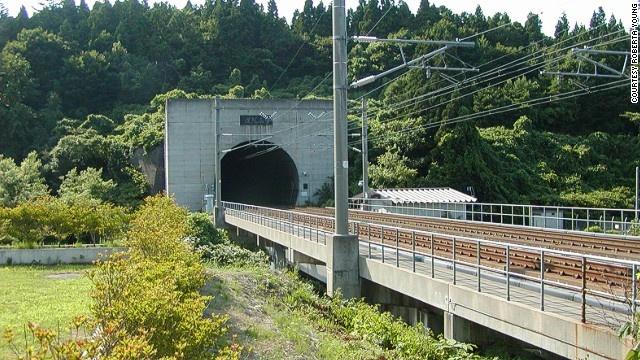 9 duong ham ky vi nhat the gioi hinh anh 9 Seikani là hầm đường sắt dài nhất và sâu nhất thế giới.