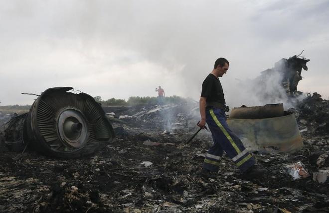 Chuyen co cua Putin bay gan noi MH17 gap nan hinh anh