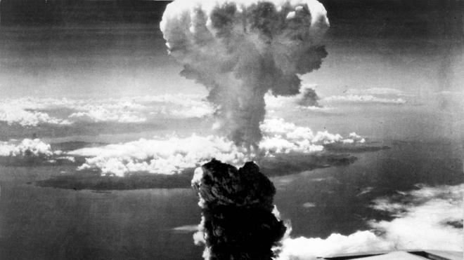 Khoanh khac bom nguyen tu tan cong thanh pho Nagasaki hinh anh