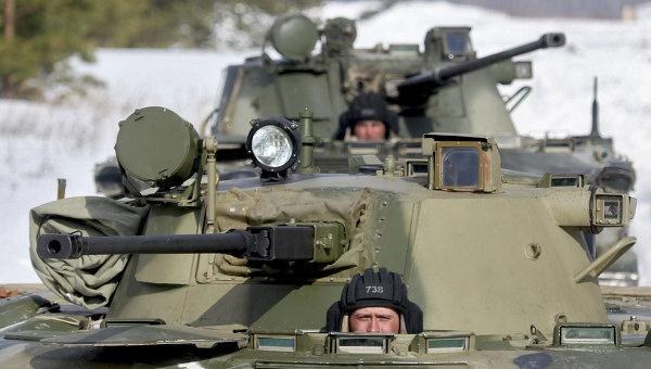 Moscow bac tin Ukraina bat xe chien dau cua linh du Nga hinh anh
