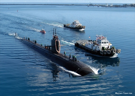 Cac vu khi sieu hang tai can cu quan su My hinh anh 2 Để thực hiện chiến lược này, ngay từ tháng 4/2013, Hải quân Mỹ tuyên bố tàu ngầm hạt nhân tấn công lớp Los Angeles thứ tư mang tên Topeka đến căn cứ Hải quân tại Guam, gia nhập cụm tàu ngầm đã triển khai 3 chiếc trước đó mang tên Chicago, Key West và Oklahoma City.
