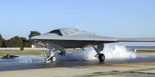 """10 may bay khong nguoi lai hien dai nhat the gioi hinh anh 2 """"Quái vật tàu sân bay"""" X-47B của Hải quân Mỹ. Ảnh: Aviationweek"""