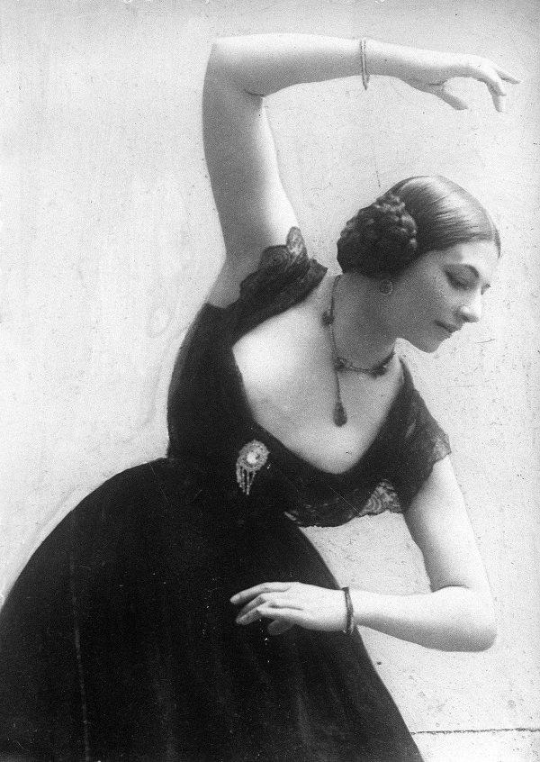 Cuoc doi song gio cua nu diep vien huyen thoai hinh anh 5 Margaretha bắt đầu sử dụng nghệ danh Mata Hari từ năm 1897, nghĩa là