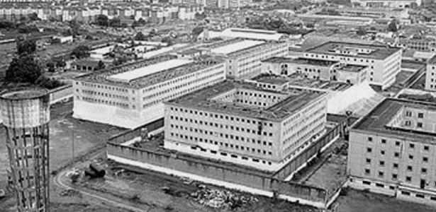 Nha tu lon nhat Nam My va vu tham sat kinh hoang hinh anh 1 Nhà tù Carandiru tọa lạc ở thành phố Sao Paulo của Brazil. Được xây dựng vào năm 1920, Carandiru nổi tiếng với nhiều vụ tù nhân thảm sát và hãm hại lẫn nhau. Ảnh: Gutsandgore